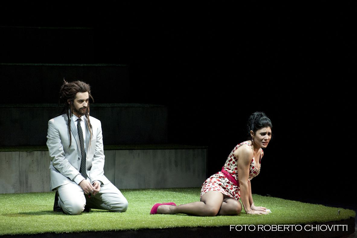 Così-fan-tutte-Opera-directed-by-Jacopo-Spirei-in-Sassari-detail
