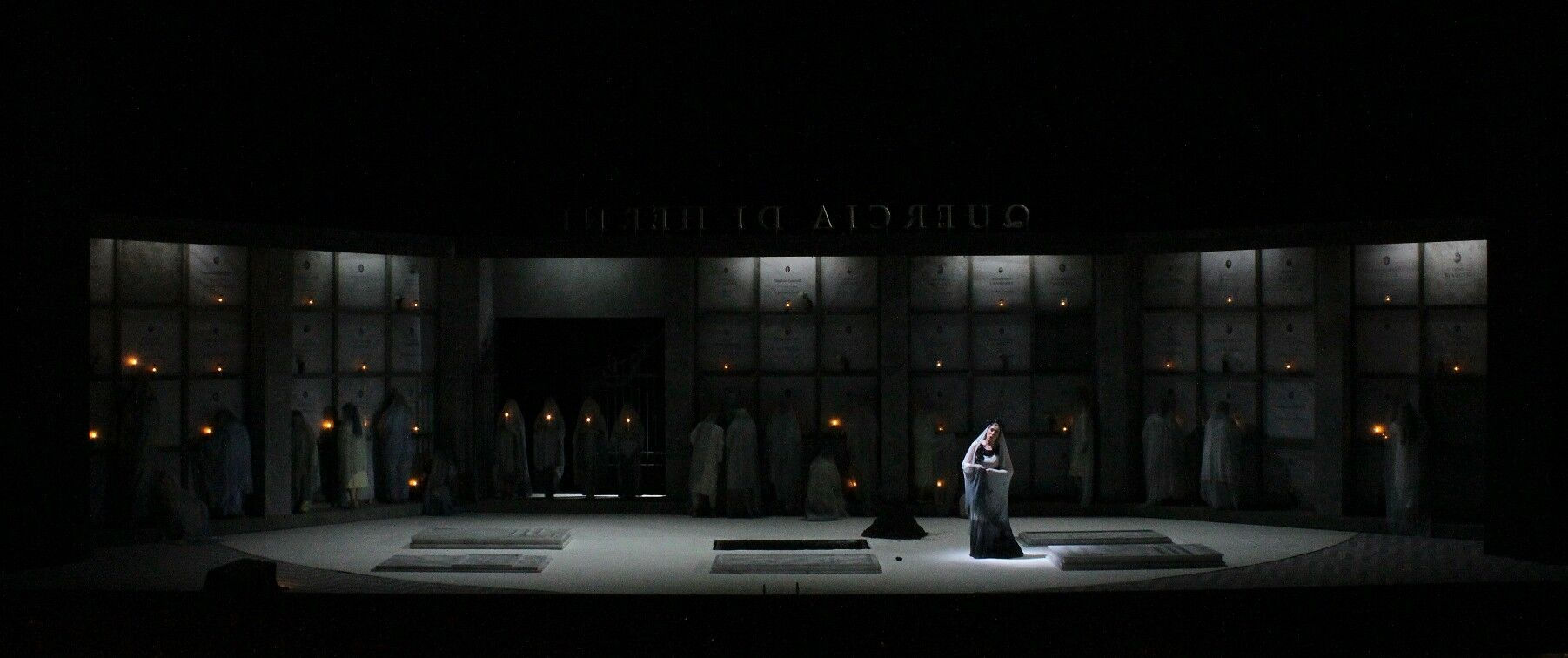 Falstaff-Opera-by-Giuseppe-Verdi-directed-by-Jacopo-Spirei- in-Karlsruhe-10