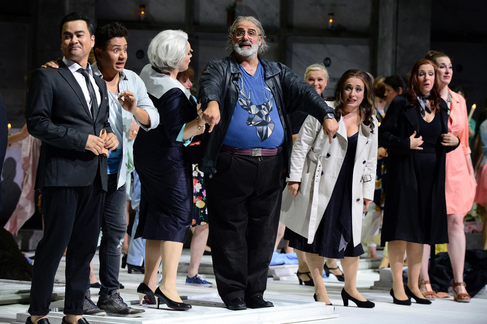 Falstaff-Opera-by-Giuseppe-Verdi-directed-by-Jacopo-Spirei- in-Karlsruhe-12