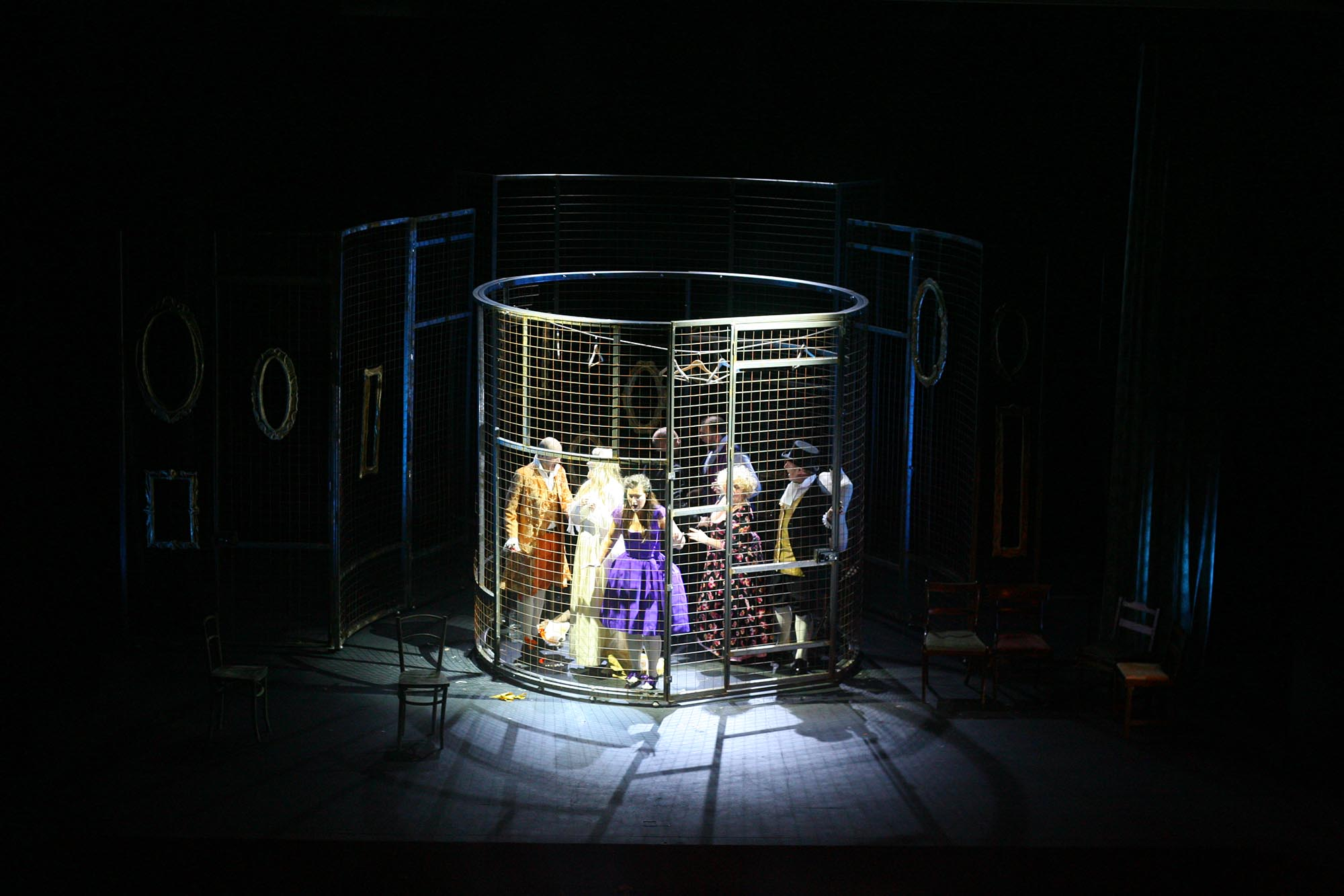 Le-nozze-di-Figaro-opera-directed-by-Jacopo-Spirei--in-London-4