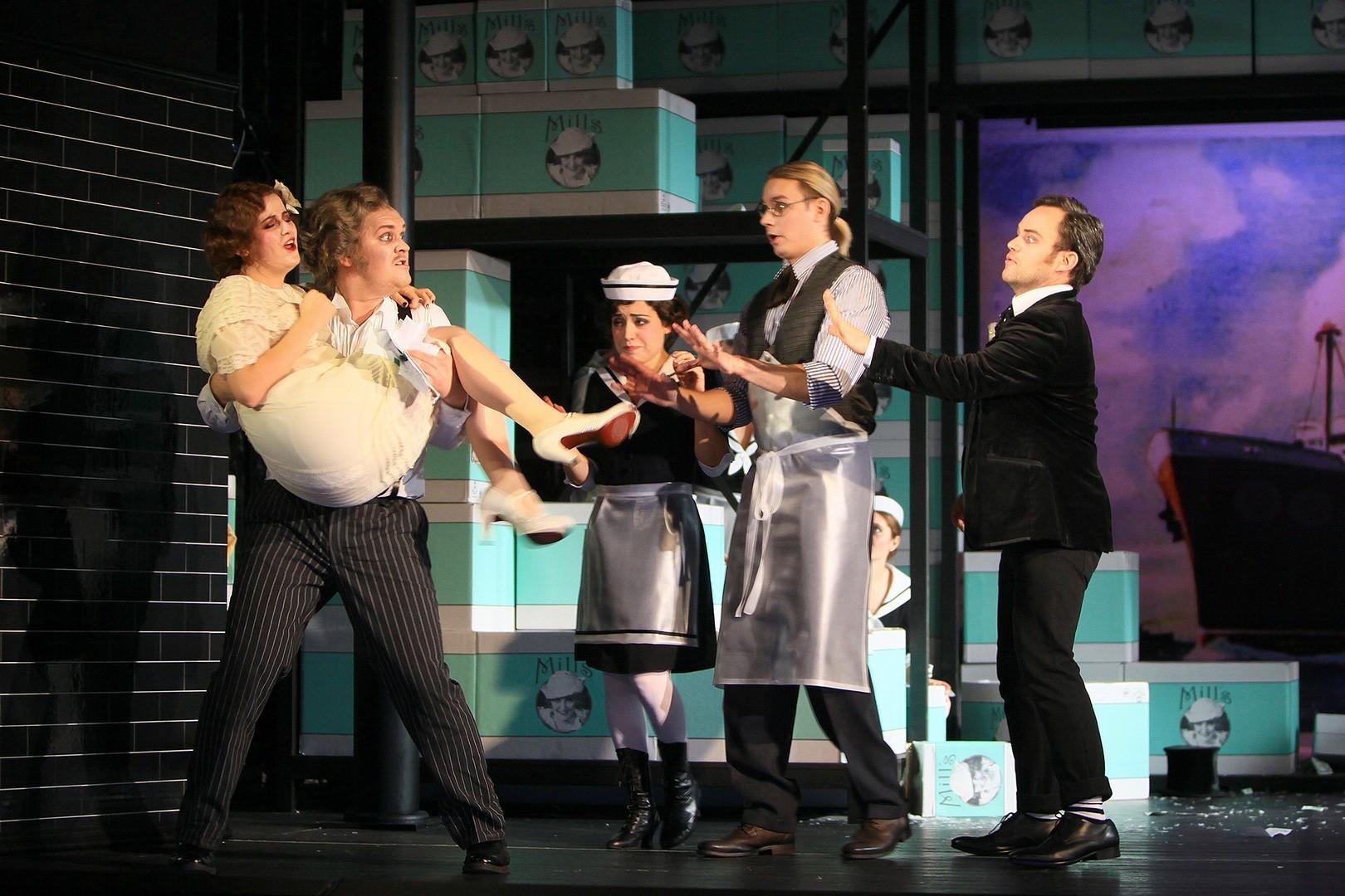 Cambiale-di-matrimonio-Opera-directed-by-Jacopo-Spirei-12