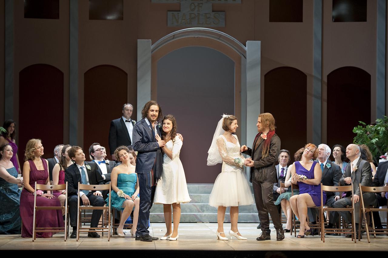 Così-fan-tutte-Opera-directed-by-Jacopo-Spirei-in-Salzburg-10