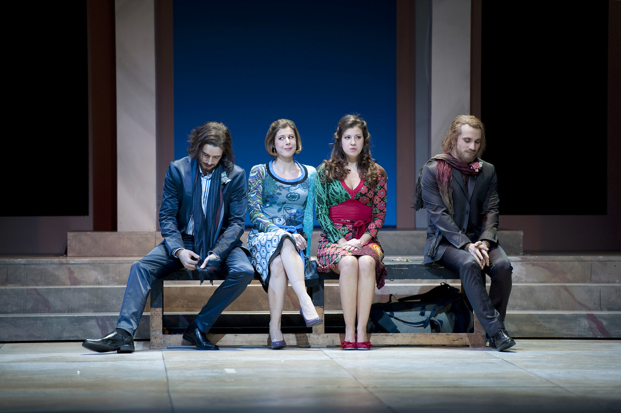 Così-fan-tutte-Opera-directed-by-Jacopo-Spirei-in-Salzburg-9